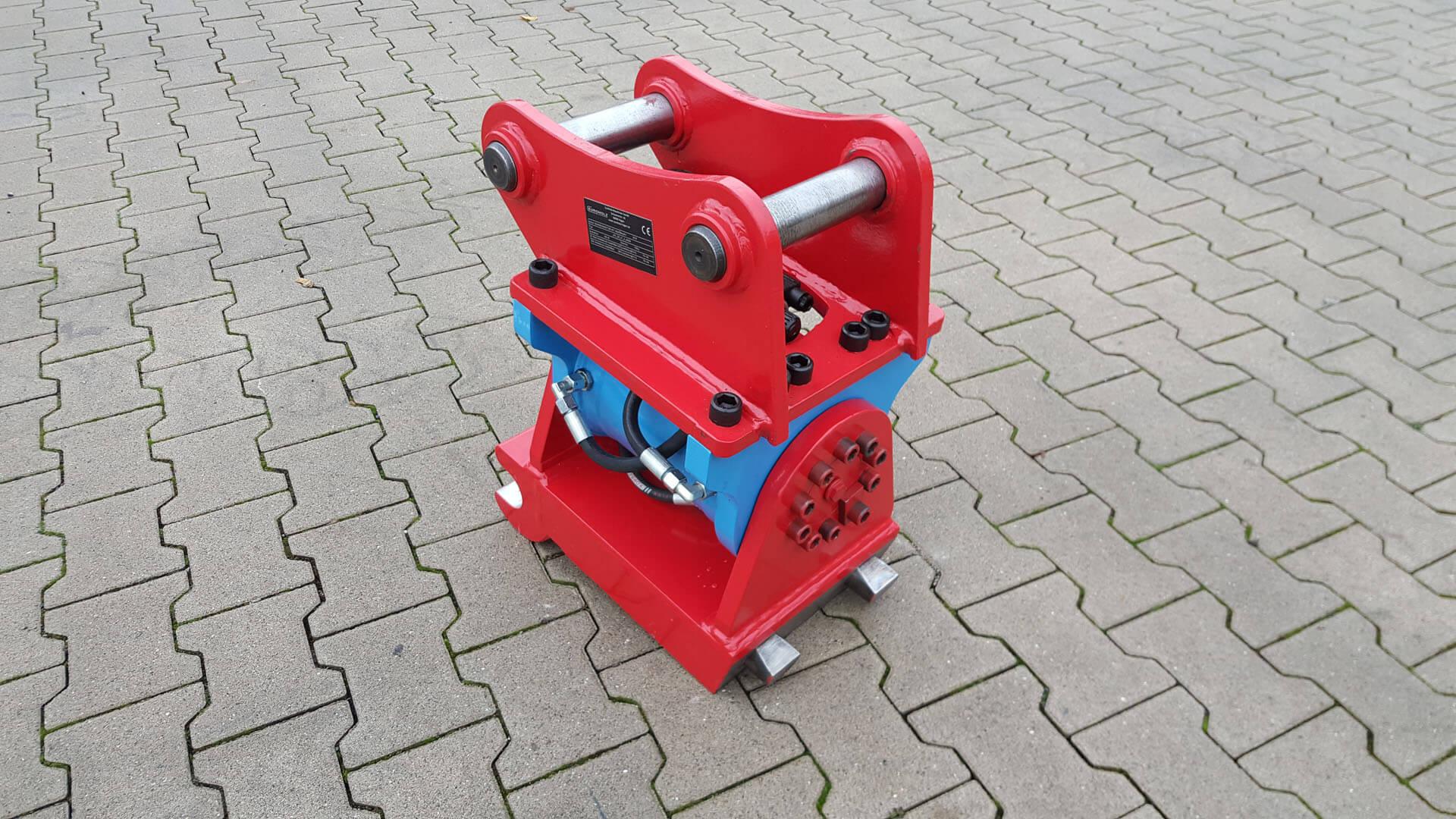 schwenkmotor-mit-schnellwechsler-MS08-hydraulisch