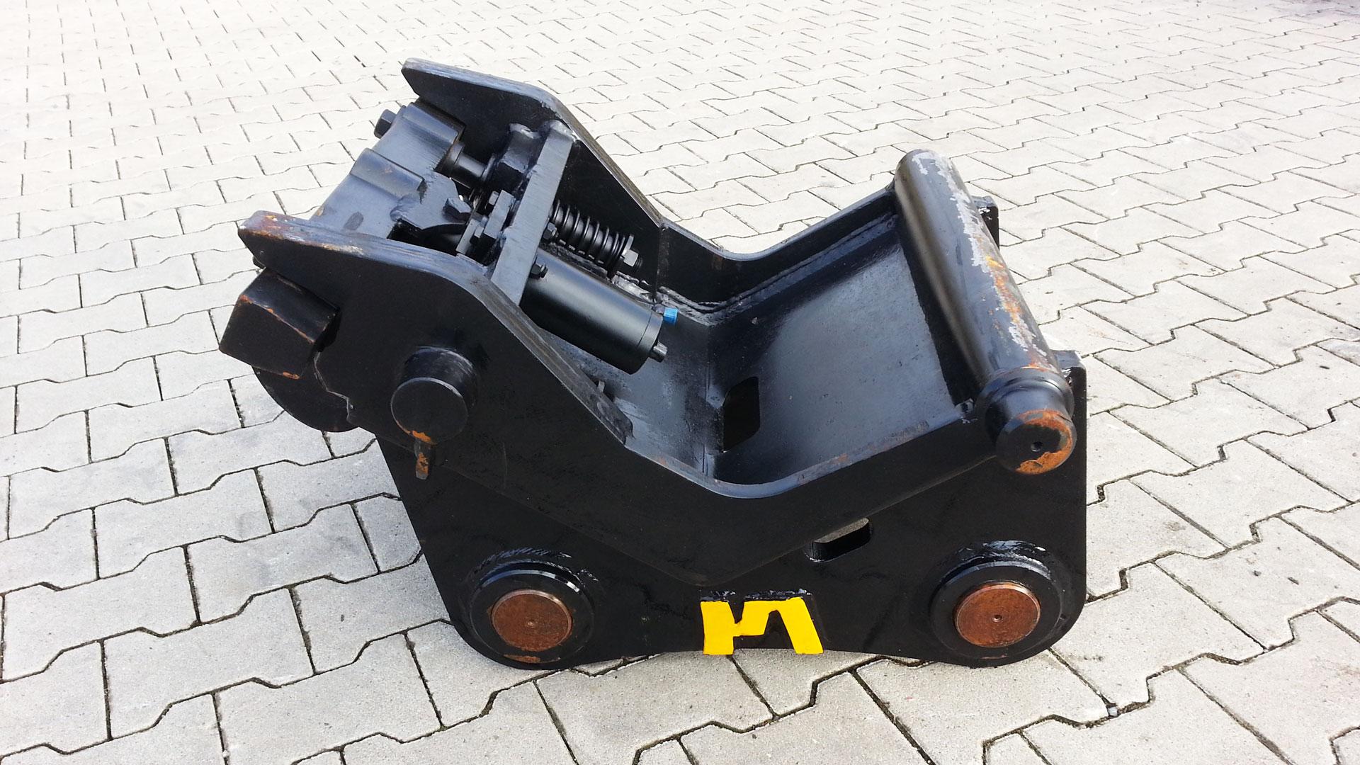 Schnellwechsler-hydraulischer-CW30-2