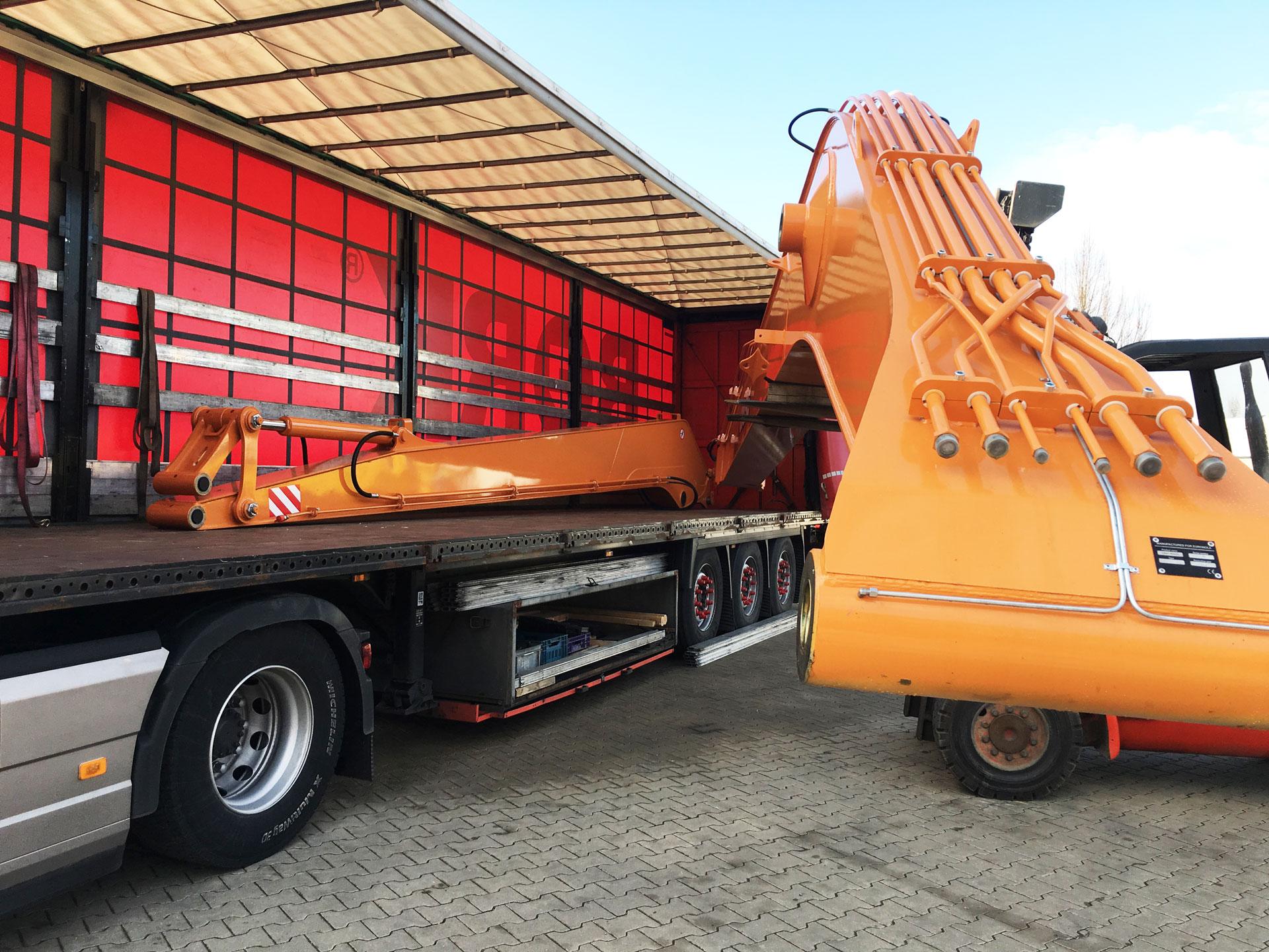 Transport-long-reach-18m-case-dx-330