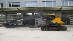 Long REach Volvo EC300 18m