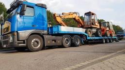 Atlas 130E und Schaeff SKL831 Transport