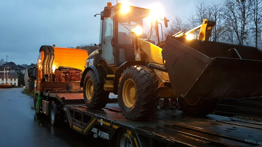 CAT 908H Radlader Transport