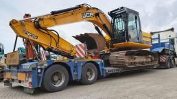 Transport von dem verkauften Kettenbagger JSB JS190