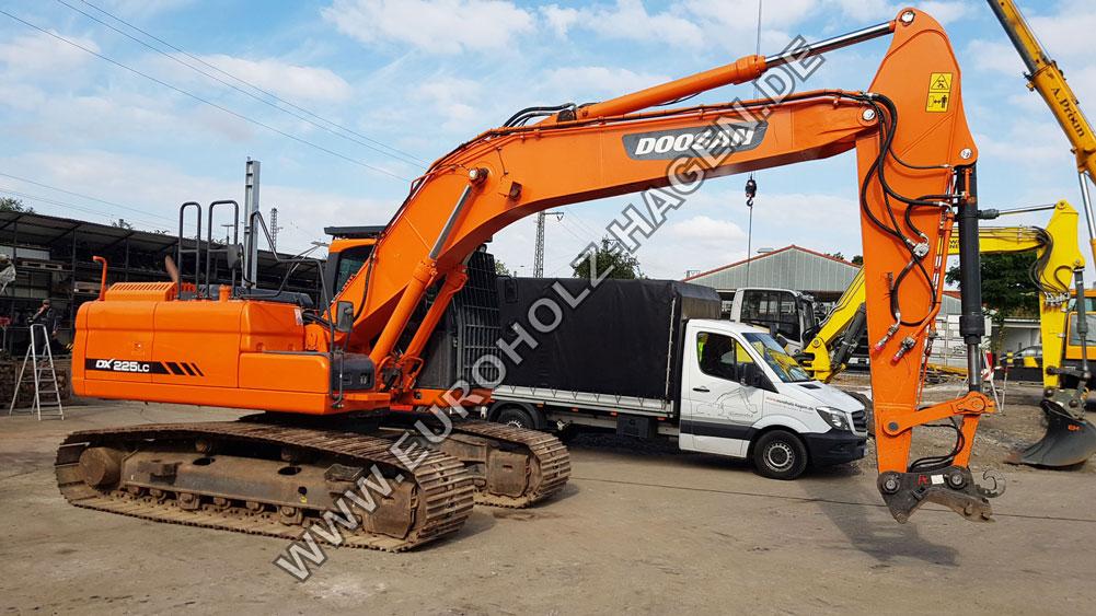 Kettenbagger Doosan DX 225 LC von 2016 mit neuem Long Reach 14 Meter