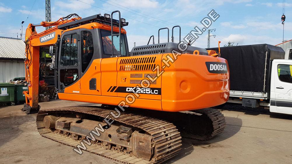 Kettenbagger Doosan DX 225 LC von
