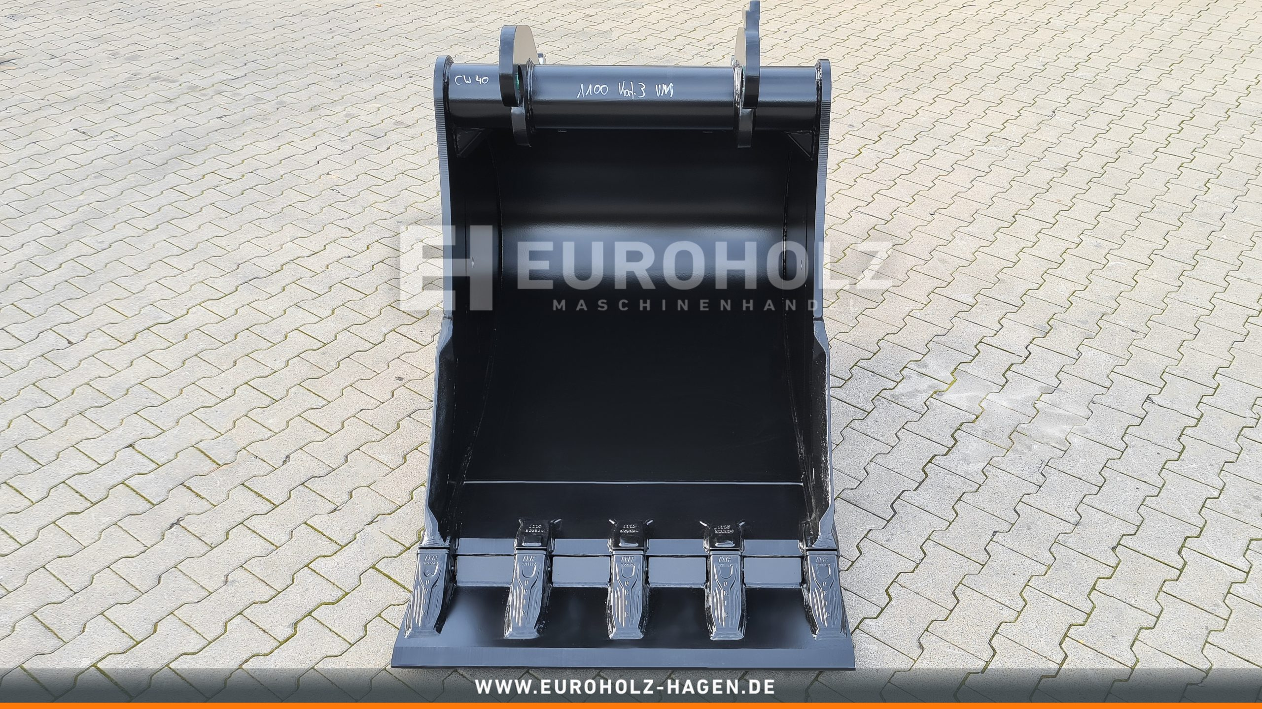 Tieflöffel passend für Verachtert CW30 / CW40 / 1100 mm / Kat. 3G / mit VorsteckmesserDigging bucket suitable for Verachtert CW30/ CW40 / 1100 mm / cat. 3G / with welded blade