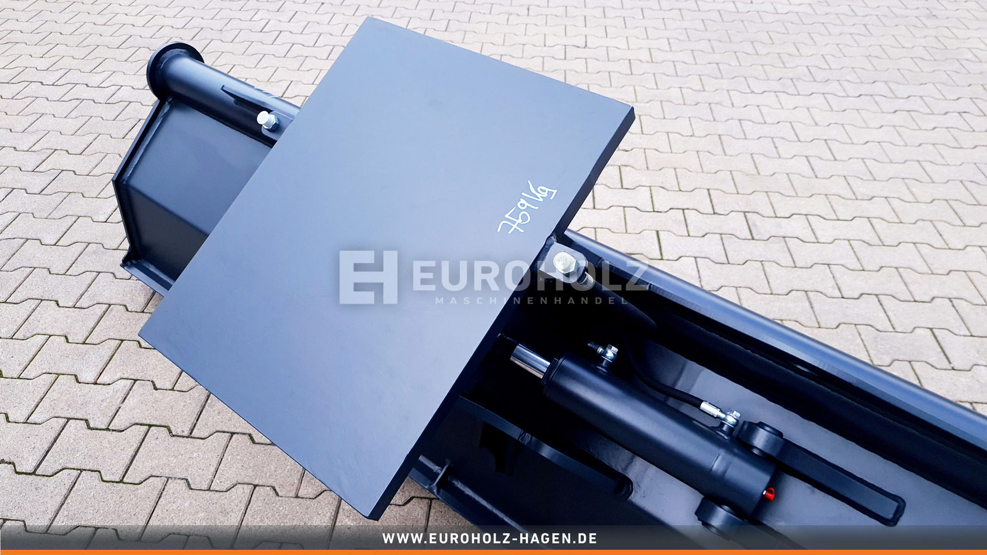 Hydraulischer Grabenräumlöffel ohne Aufnahme / 2200 mm / Kat. 4G / mit wendbarem Unterschraubmesser