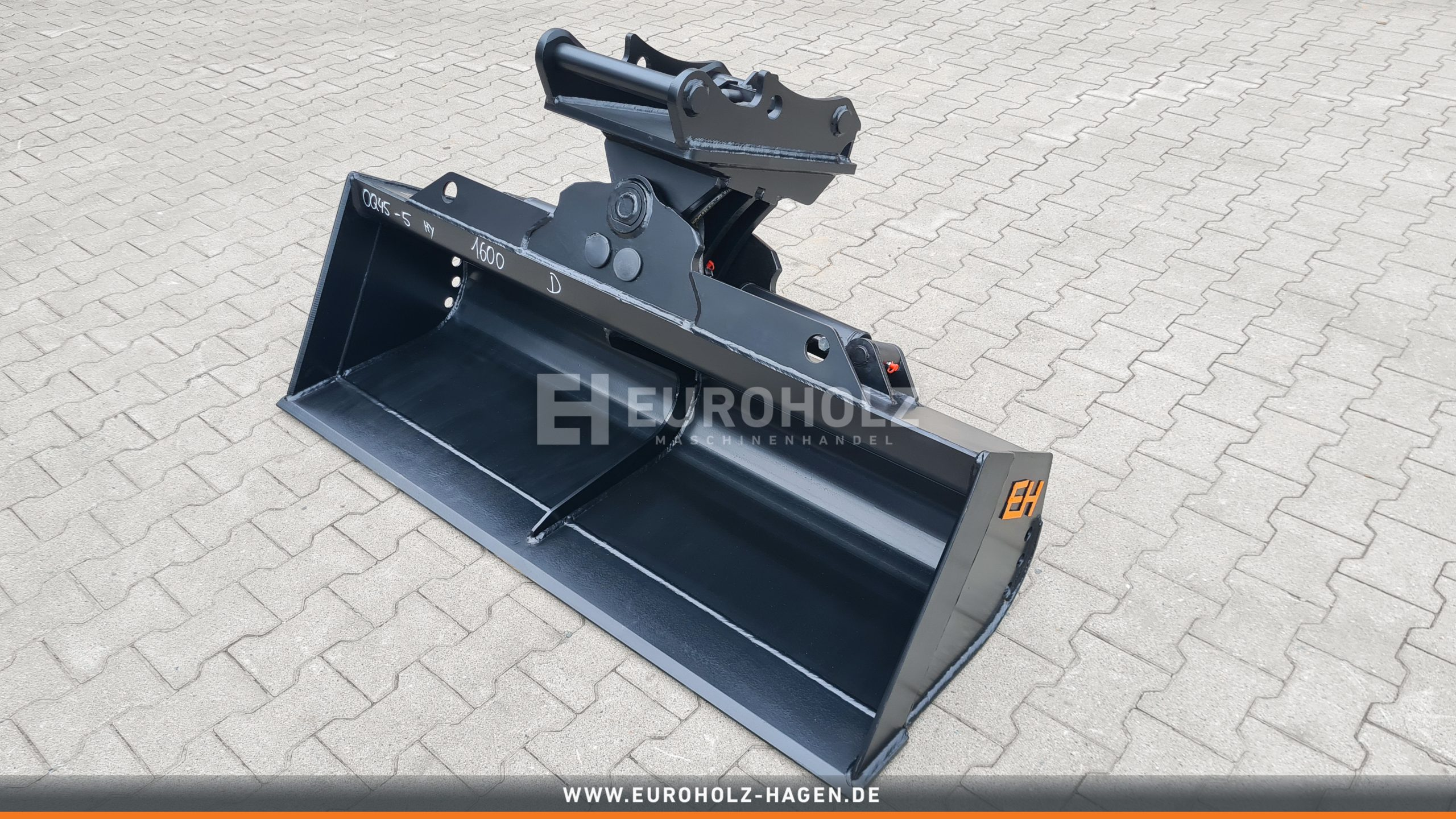 Hydraulischer Grabenräumlöffel OilQuick OQ45-5 / 1600 mm / Kat. 5K / mit Lasthalteventil